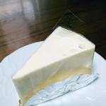 パティスリー ベニー - レアチーズケーキ 336円