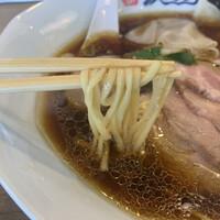 麺屋 波のおと-麺は平打ちタイプ!