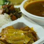 ダルバート食堂 - キャベツとジャガイモ等のタルカリ