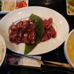 焼肉屋カルビ広場 - 料理写真:ランチ(ハラミ・ロース)