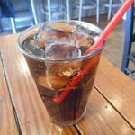 バルシュ ケバブ スタンド - コカ・コーラ