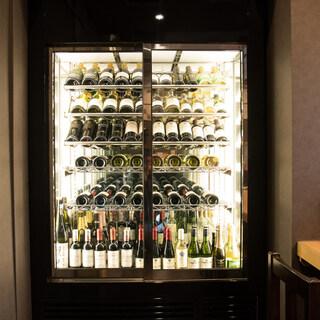【ワインセラー完備】多彩なワインは<常時20種類以上>ご用意