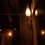堺筋本町 路地裏ダイニング じぇいず - やさしく光を放つライトにもご注目☆