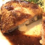 びすとろ 風露 - 料理写真:ミルフィーユカツからトロリチーズ♥
