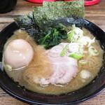 藤澤家 - 並ラーメン 700円 味玉 100円
