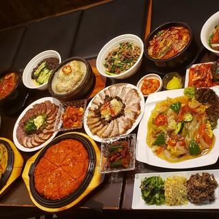 韓国調理人がつくる特選料理と韓国焼き肉。