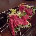 四文屋 - 2012.5 桜肉赤身刺(350円)を2点盛りで