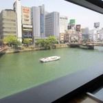 さが風土館 博多季楽 - 天気にも恵まれて座った席からは那珂川をクルーズする定期船も綺麗に見えましたよ