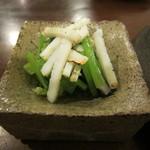 日と月 - 炙りイカと旬野菜の土佐酢和え