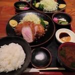 とんかつ稲 - 赤煉瓦の定食
