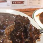 Sendai - ビーフカレーのお肉は、大きくとっても美味しい!