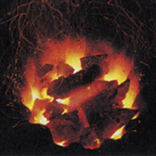 炭火焼きは丁度良く焼き上がる為、直火焼には最高の熱源です。