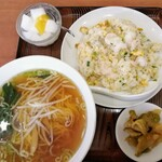 美山飯店 - ランチセットA えびチャーハン&半ラーメン ¥780