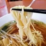 美山飯店 - 麺は細ストレート するする食べやすい