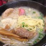 雲呑房 麺家 - 5色雲呑麺