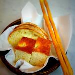 IL PAPPALARDO - ディナー用のパン(フォカッチャ、チャバッタ、グリッシーニ)