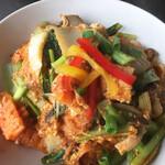 タイ屋台 コンタイ - スッキーヘン(タイスキ春雨炒め)めっちゃスキやねん。酸味と辛さのバランスが絶妙。野菜たっぷり、ビーフンに細かい鳥団子もふんだんに混ざる。