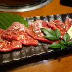 松阪牛炭火焼肉 東海亭 - シンシン