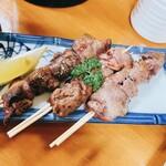 肴とお酒 うえだ - 大山鶏の半焼きレバー串    1本130円
