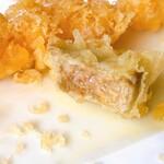 手打ち蕎麦 神楽坂 - 季節の一品の鴨のフォアグラの天ぷら ジューシー✨