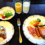 129852961 - クラブフロアの朝食
