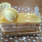 129858495 - レモンのケーキ