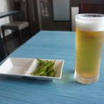 ドンク - 料理写真:まずは昼間から生ビール+枝豆付