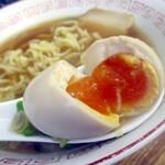 喜多方食堂 - 味玉の加減