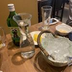 ととがなし - 八重椿(ボトル) ¥2,900 レモンスライス ¥210 氷 ¥210×2 水 ¥210×3