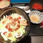餃子鍋 A-chan 北新地 - あーちゃん風タコライス 餃子スープ付き 850円