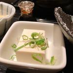 餃子鍋 A-chan 北新地 - 鶏の唐揚げ定食の冷奴