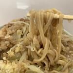 ラーメン 工藤 - 料理写真:ニンニクヤサイカラメちょいマシ アブラマシ
