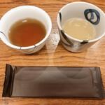 129889220 - お茶と鳥スープ