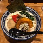 和風楽麺 四代目 ひのでや - 料理写真:まるで、スープパスタです。