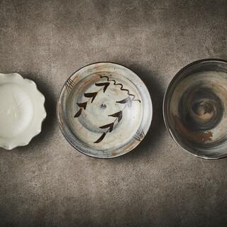 日本の伝統美、料理を彩る伝統陶器