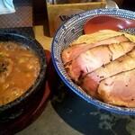 129898182 - 魚介濃厚つけ麺(麺大盛無料、レアチャトッピング)