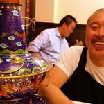 味坊 - 先日店主の梁さんから電話があり 「鍋もってきたから来てよ」 彼の永年の夢である 涮羊肉(しゅわんやんろう) 炭火羊しゃぶしゃぶのお店の準備で 北京から鍋を六個もハンドキャリー(爆)