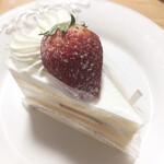 129904330 - ショートケーキ