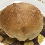 129909461 - 見た目は普通のパンですが…