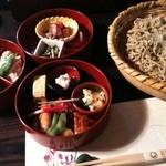 Hikariyahigashi - 丸箱膳蕎麦付き①