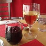 ミナト食堂 - ドリンク写真:白ハウスワイン、カーディナル。ランチで注文しました。