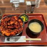 129935924 - ドライブインいとう 豚丼名人@新千歳空港店 肉盛り豚丼(1320円)