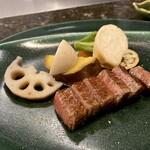 鉄板焼 花 - 特選黒毛和牛雌牛A5ランクサーロインステーキ