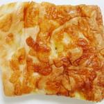 コハナベーグル - 耳パン<チーズ>(100gあたり\120、2012年4月)