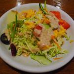 サージョンズカフェ イタリアーノヨコハマ - スパゲッティランチ付属のスモールサラダ