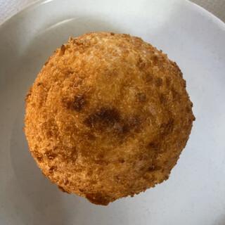 ブルージャム - 料理写真:じゃがいもとチーズのカレーパン@216