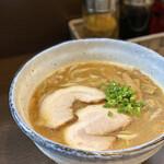 麺と餃子の工房 麺屋食堂 -