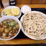 大将うどん - 肉汁うどん(中)冷もり 880円+野菜天(100円)