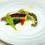 129992068 - 真鯛のポワレ 春野菜とアサリのクリームソース