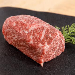 厳選された京都産の食肉(牛,豚,鶏)
